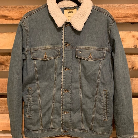 14ec2a3b1b Vans Faux Fur Denim Jean jacket. M 5c9b057e6a0bb7109a9b46e7. Other Jackets    Coats ...